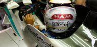 Lewis Hamilton en el cockpit del W05 - LaF1
