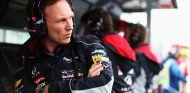 Christian Horner en el muro de Red Bull - LaF1