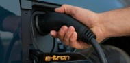 El coche eléctrico emite tres veces menos de CO2 que uno de combustión - SoyMotor.com