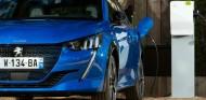 Peugeot: mantener un coche eléctrico es un 30% más barato que uno de combustión - SoyMotor.com