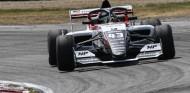 Colapinto brilla: mejor 'rookie' de las Toyota Racing Series - SoyMotor.com