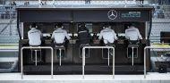 Pit-Wall del equipo Mercedes en Rusia - LaF1