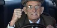 La multa a un anciano de 88 años reabre el debate sobre los conductores mayores - SoyMotor.com
