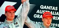 Australia 1998: Häkkinen gana gracias a un pacto de caballeros - SoyMotor.com