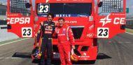 Carlos Sainz junto a Antonio Albacete - LaF1