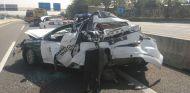 Así quedó el coche patrulla de la Guardia Civil tras ser alcanzado por el autobús - SoyMotor