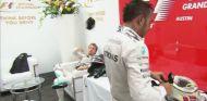 Rosberg le tiró la gorra del segundo clasificado a Hamilton - LaF1
