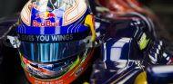 Daniel Ricciardo en el Toro Rosso STR8
