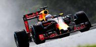 Ricciardo finaliza justo por detrás de los Mercedes - LaF1
