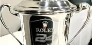 El trofeo de las 24 Horas de Daytona ya está en el museo de Alonso - SoyMotor.com