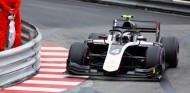 De Vries esquiva atascos para ganar en Mónaco - SoyMotor.com