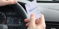 ¿Tienes caducado el carnet? La DGT te mandará una carta - SoyMotor.com