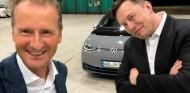 Musk coincide con Diess para probar el nuevo Volkswagen ID.3