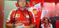 Stefano Domenicali en el box de Ferrari - LaF1