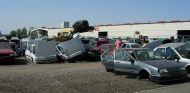 Parque de automóviles desguazados en una de las sedes de Desguaces La Torre - SoyMotor