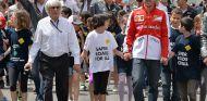 Bernie Ecclestone y Fernando Alonso en Barcelona - SoyMotor.com