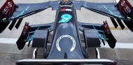 Mercedes rinde homenaje a Stirling Moss en el GP del 70º aniversario - SoyMotor.com
