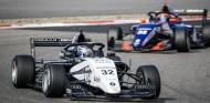 David Vidales resiste a Victor Martins y acaba 2º en Magny-Cours tras Collet - SoyMotor.com