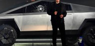 Elon Musk en la presentación del Tesla Cybertruck - SoyMotor.com