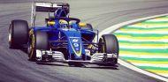 Ericsson probando el halo durante el GP de Brasil - SoyMotor
