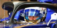 Marcus Ericsson prueba el Halo en los Libres del GP de Abu Dabi de 2017 –SoyMotor.com