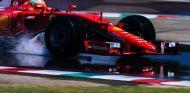 Esteban Gutiérrez, en acción con los Pirelli de lluvia de 2017 - LaF1
