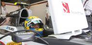 Esteban Gutiérrez en el box de Monza - LaF1