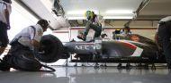 Esteban Gutiérrez monta en el Sauber C32