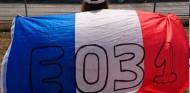 Una fan de Ocon sufre un robo en Francia y no podrá asistir al GP de Austria - SoyMotor.com