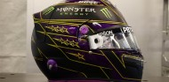 Mercedes revela el casco 2021 de Hamilton - SoyMotor.com