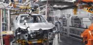 Crisis de los microchips: dejarán de producirse siete millones de coches - SoyMotor.com