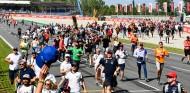 Vuelve la Pelouse Jove: vive el GP de España 2020 por sólo 35 euros - SoyMotor.com