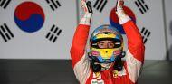Fernando Alonso celebra su victoria en Cora 2010 - LaF1