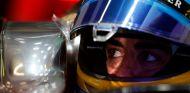 Fernando Alonso subido al MP4-30 de McLaren-Honda - LaF1.es