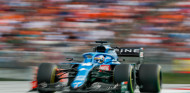 """Alonso habla a la FIA tras puntuar en Austria: """"Muy bien salirte de pista, te ahorras mucho tráfico"""" - SoyMotor.com"""
