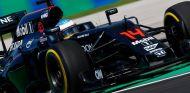 Alonso confía en pasar a la Q3 - LaF1
