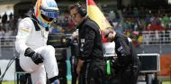 Fernando Alonso en la parrilla de salida de Malasia - LaF1