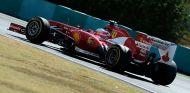 Fernando Alonso con el Ferrari F138 - LaF1