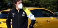 Fernando Alonso, imagen de los coches híbridos de Renault
