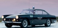 Ferrari 250 GTE 2+2 Polizia - SoyMotor.com
