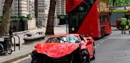 El Ferrari accidentado en Londres, @DickiesTicker - SoyMotor.com