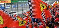 Aficionados de Ferrari en Monza - SoyMotor.com