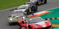 11 pilotos vuelven a correr en resistencia en Barcelona diez años después - SoyMotor.com