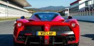 La matricula V12 LAF fue muy codiciada al representar el motor y el nombre del LaFerrari - SoyMotor