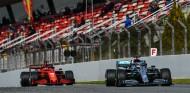 Charles Leclerc y Valtteri Bottas en el Circuit de Barcelona-Catalunya - SoyMotor.com