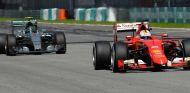 Sebastian Vettel y Nico Rosberg en el pasado GP de Malasia - LaF1