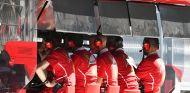 Jock Clear y Maurizio Arrivabene en Sochi - SoyMotor.com