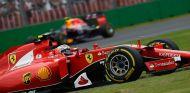 Räikkönen acabó su carrera antes de tiempo en la hierba - LaF1