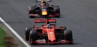 Red Bull cuestiona la legalidad del motor Ferrari ante la FIA - SoyMotor.com