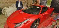 El dueño de este Ferrari 458 da una lección a su ayuntamiento: no más baches © Peterborough Telegraph SWNS - SoyMotor.com